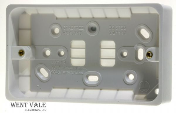 Crabtree Capital Series 4000-4304//D Moulded 13a 1 Gang D//Pole Switched Socket