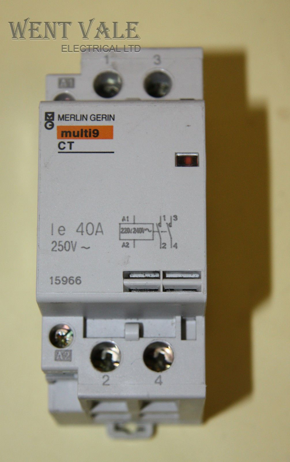 merlin gerin multi 9 15966 ct double pole 40a no contactor 240v coil used. Black Bedroom Furniture Sets. Home Design Ideas