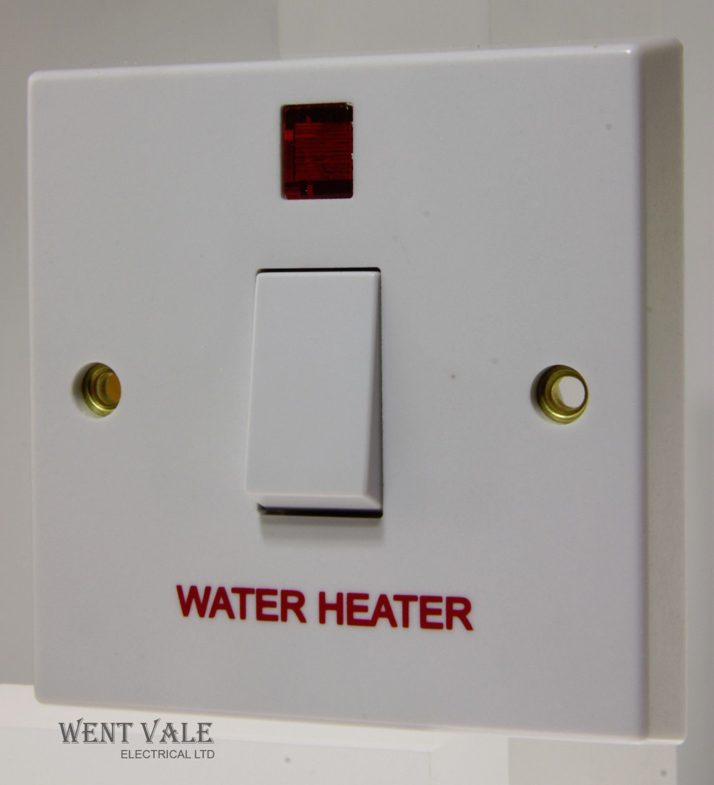 Volex - VX1060WH - 20a Moulded Double Pole Switch Neon Marked Water Heater